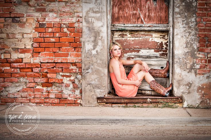 Mandi Clausen - Heritage High School - Senior Portraits - Senior Model Reps - Class of 2016 - Downtown Prosper - Country Chic - Summer - Senior Pictures - Grungy - Texas - Cowboy Boots - Country - #seniorportraits - Ideas for Girls - Tyler R. Brown Photography