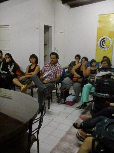 TE CONTAMOS... Ayer jueves 11 se realizó una de las reuniones informativas de la colonia.  Toda la información podés encontrarla en nuestra página web:  www.clubcomunicaciones.com.ar