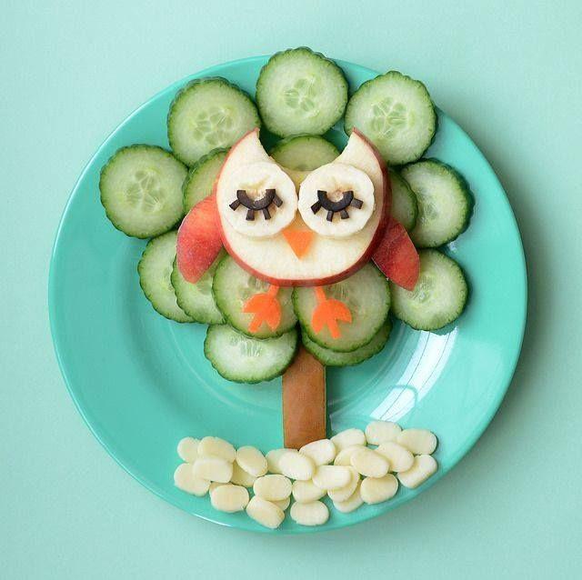 Fruit and veggie owl food art! | #foodart #kids