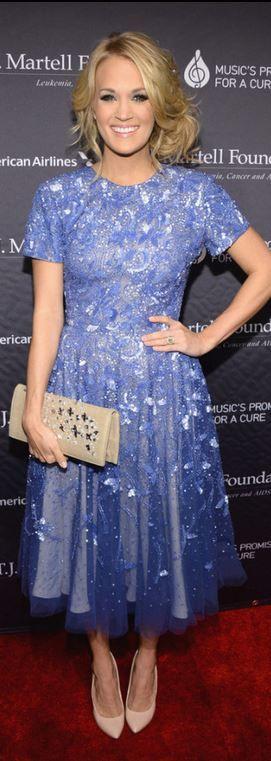 Carrie Underwood: Dress – Randi Rahm  Jewelry – Johnathon Arndt  Shoes – Giuseppe Zanott