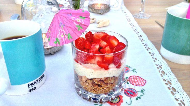 Oppskrift på veldig god og enkel dessert - Ostekakekrem, foto: