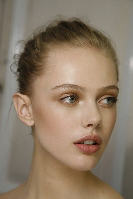 Frida Gustavsson World fashion - https://www.facebook.com/worldfashionlovers