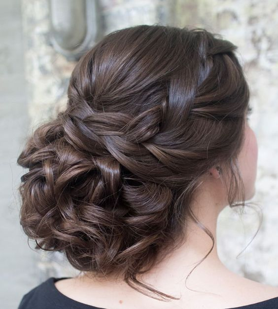 Wedding hairstyle idea; Featured Hairstyle: Hair and Makeup by Steph