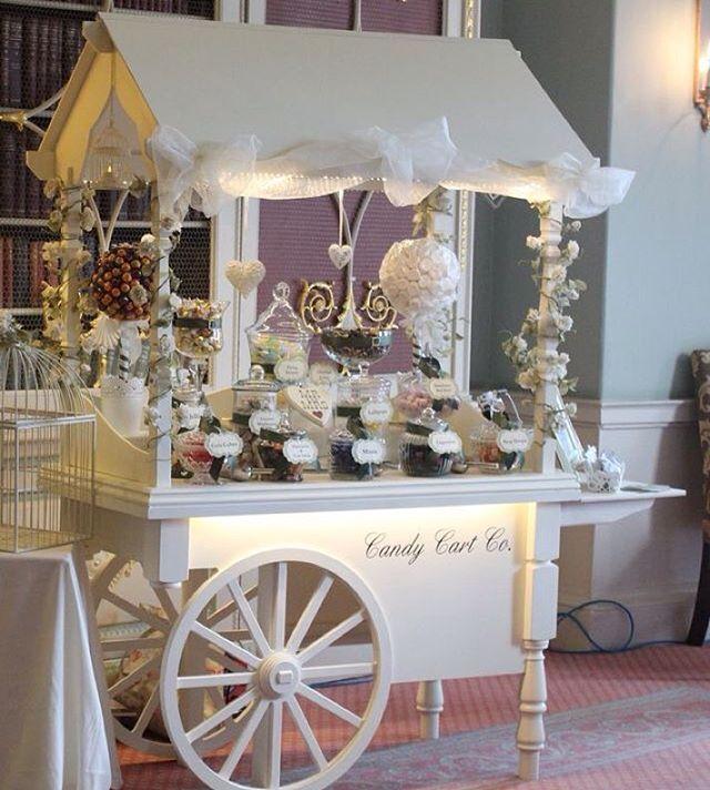 Olha que ideia linda de carrinhos de doce  #candybar  Imagem pinterest #mae_festeira #festainfantil #kidsparty