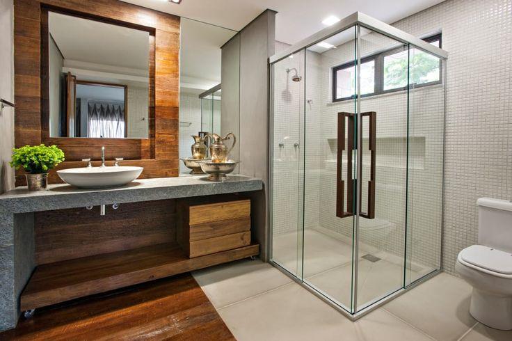 Casas de banho com chuveiros de sonho (De LuciPais - homify)