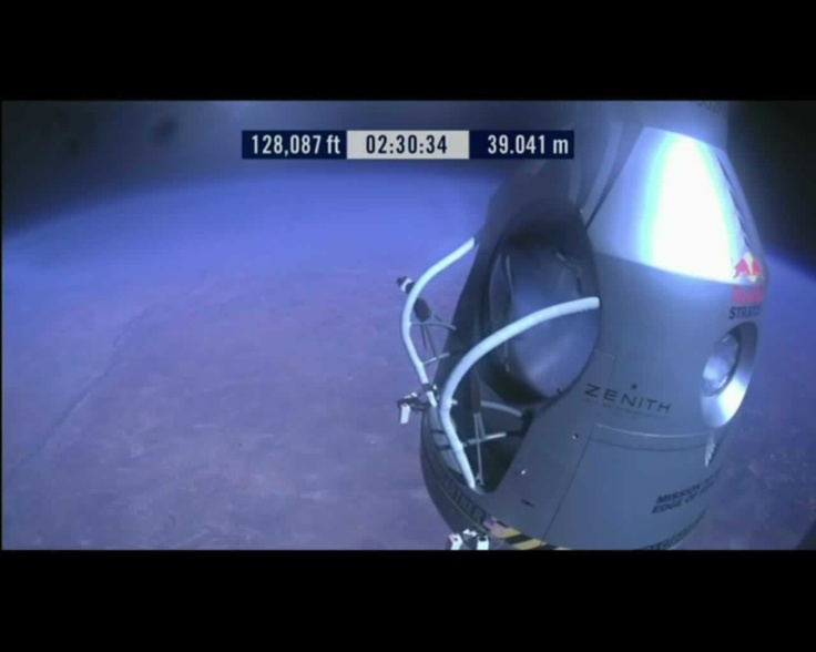 Door open @redbullstratos #felibaumgartner