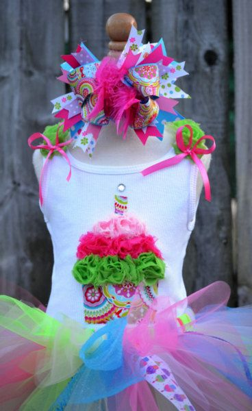 This tutu outfit is so cute for a 1st birthday celebration!: Abirthday Celebrity, 3D Flowers, Birthday Girls, Color, 3D Birthday, Baby Cupcakes, 1St Birthdays, Birthday Celebrations, Birthday Ideas