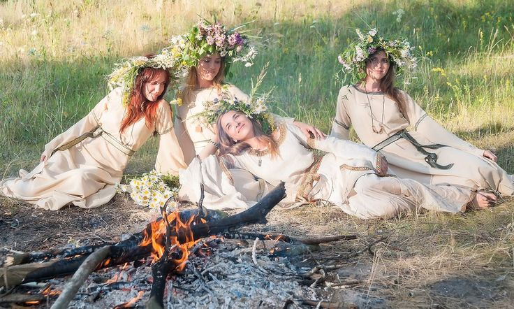 Magical Midsummer greetings from Finland! An old Finnish tradition: Maidens pick up in 7 different flowers, reciting spells. The groom should appear in by this autumn!