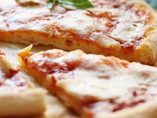 Per ogni morso di questa #pizza #senzaglutine un sorriso :)  #PortaInTavolaMagia  Grazie alla Ricetta della Felicità che ha preparato questa bontà per #LaMiaRicettaSuNutriChef <3
