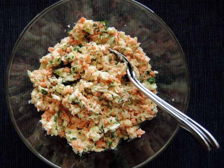Farmersalat aus Weißkraut und Möhren ist wieder ein geniales Rezept, das man so schnell und einfach nur im Thermomix zubereiten kann.