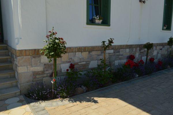Házak, homlokzatok - Otti- burkolat,térkő,cementlap,kandalló,fedkő,lépcső,lábazat,kőkút