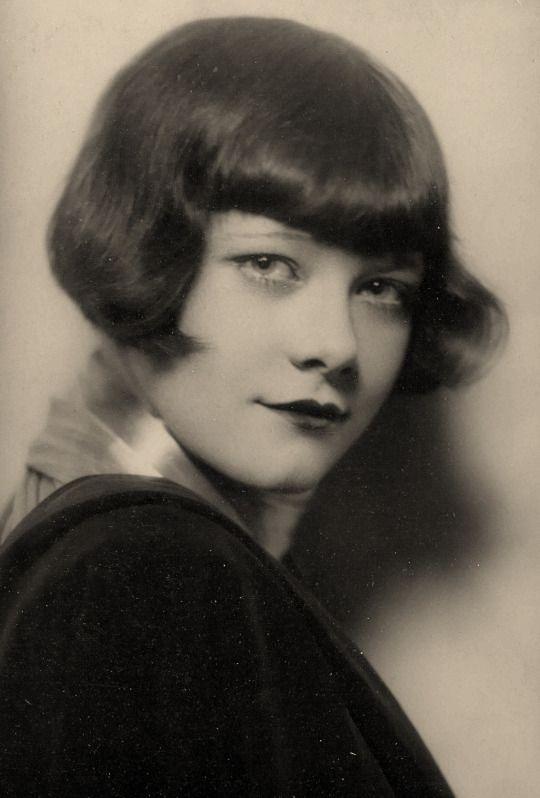 Dorothy McNulty (Penny Singleton) by DeBarron, c. 1930