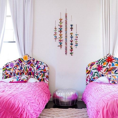 swoon-worthy example of #otomi embroidery c/o @homepolish 💕 more about this & other must-have global textiles now on the neon tea party (link in bio) #theneonteaparty #tntpinspo
