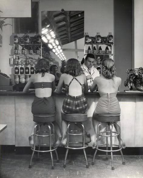 Atlantic City, 1948. Photo by Nina Leen. ☀