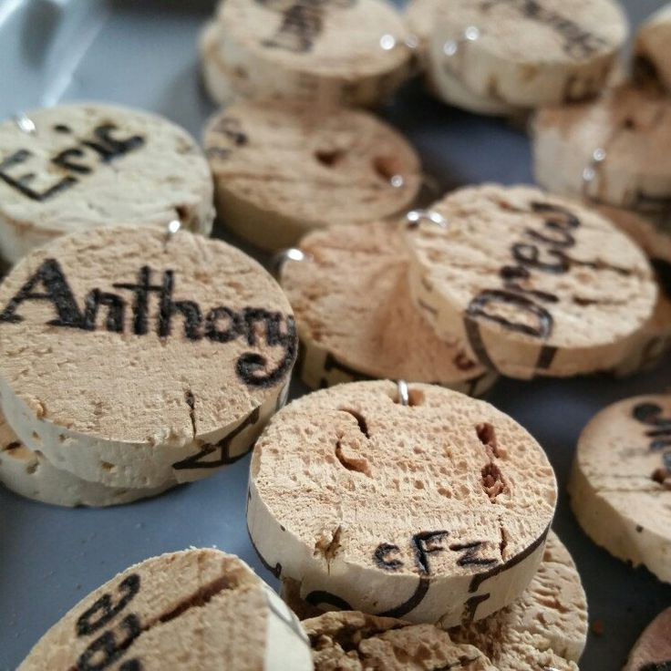 Wine charm wedding favors, customized with your guest list! Sip sip, Hooray!!