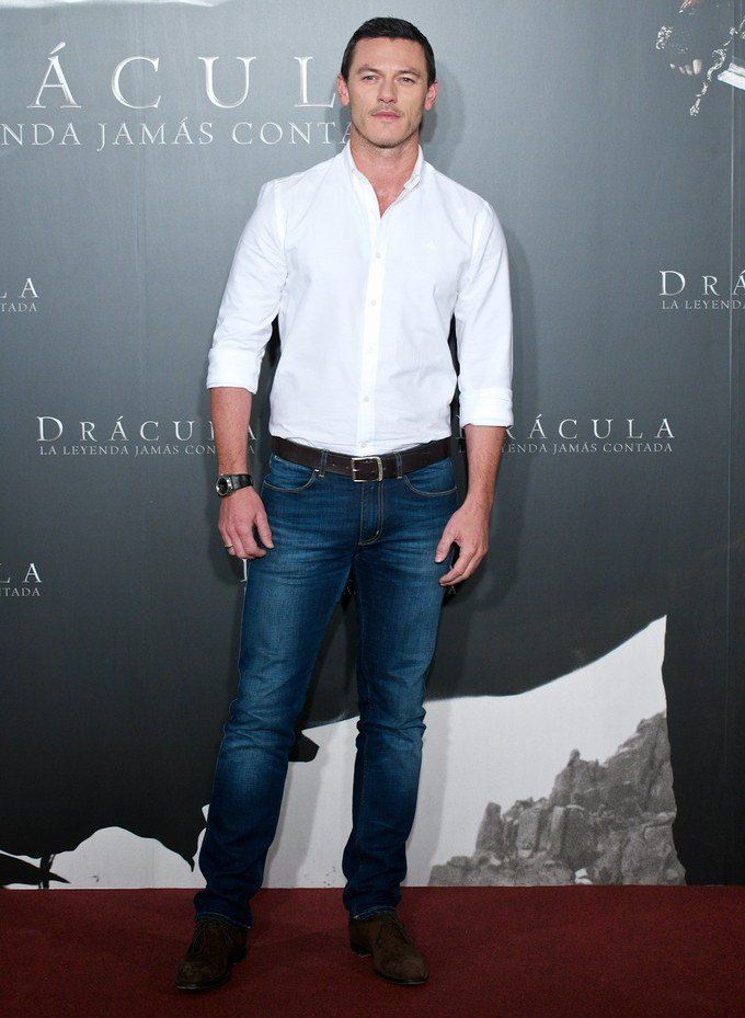 Luke Evans Promotes Dracula Untold, Remains Stylish in Madrid image Luke Evans 0012 e1414004432676