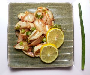 Spicy seared calamari.Very easy and mouthwateringly delicious recipe.Try to cook it!