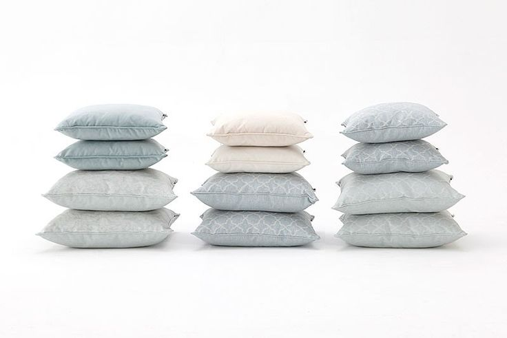 Please seat comfortably and stock up on cozy cushions! It feels just right for a dreamy night!