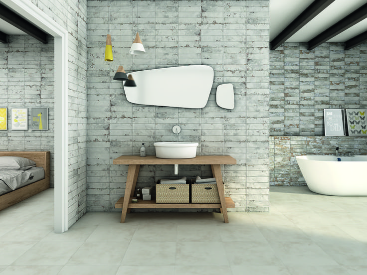 Tile of Spain manufacturer Ceramica Gomez presents the Mayolica collection; brick look tile in gray tones.