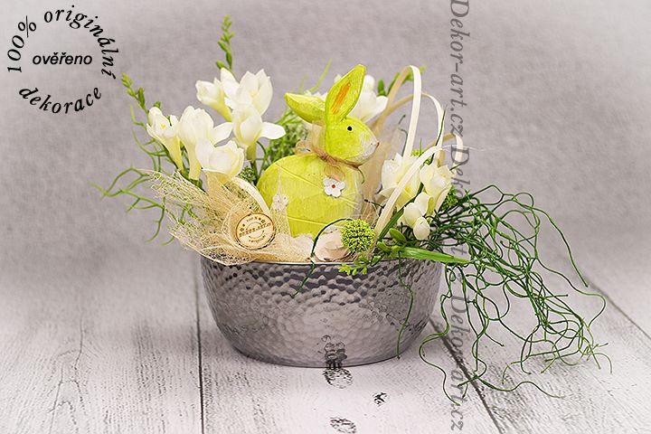 #Luxusní #jarní miska s #velikonočním zajíčkem.