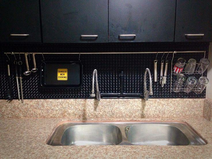 Cocina fregadero llaves lavadero negro granito