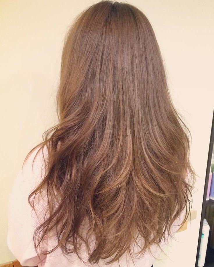 today's hair color☆  オレンジっぽいベースを少しトーンアップしてマットベージュのほんのりグラデーション☆ 仕上げはパーマを活かしてゆる巻きして、ミルクトリートメントを揉み込んでウェット感もプラス  遅くまでありがとうございました☆何かあればいつでも相談してくださいね(^^) .  #ヘアカラー #カラー #ハニーベージュ #マットベージュ  #セミウェット #ゆる巻き  #グラデーション #ロング #ロンググラデーション #ハイライト #TAMARIS #フェミニン #パーマ #ブライダル #パーティー #ありがとう #京都 #京都駅前 #美容室 #t2style #hairstyle #beauty #starbucks  #courarir  #courarirkyotoekimae #kyoto