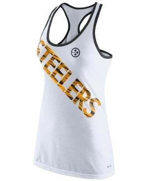 Show your team spirit with the Nike NFL women's Pittsburgh Steelers Warp tank top. This racerback tank helps you stay cool with Dri-FIT technology and features a super-sized screen print of your team's name.