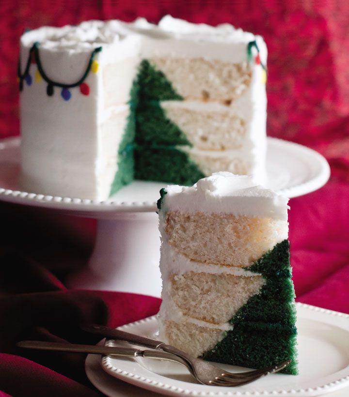 Tutorial per creare non una sola torta con albero di Natale, ma due: una bianca con albero verde, e una verde con albero bianco. E la sorpresa sta dentro!