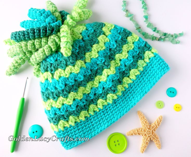 Spiral Top Messy Bun Hat, free crochet pattern - GoldenLucyCrafts