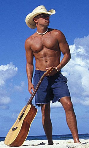 Kenny Chesney.. love me some country boys ;)