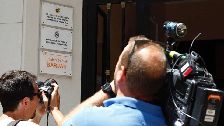 La UCO investiga la Federación Valenciana y a la Tinerfeña - AS.com https://futbol.as.com/futbol/2017/07/18/mas_futbol/1500376304_126440.html