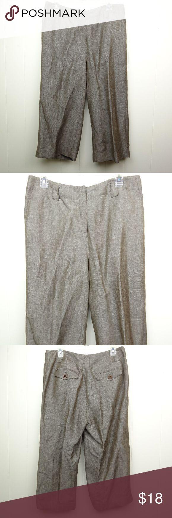 "Emma James Capris Cropped Pants Brown Fleck Linen Emma James linen blend capri pants. 55% linen, 45% rayon Women's Size PETITE 12 Waist laying flat 16.5"" Rise 10.5"" Inseam 20.5""  Good condition, light general wear. Pants Capris"