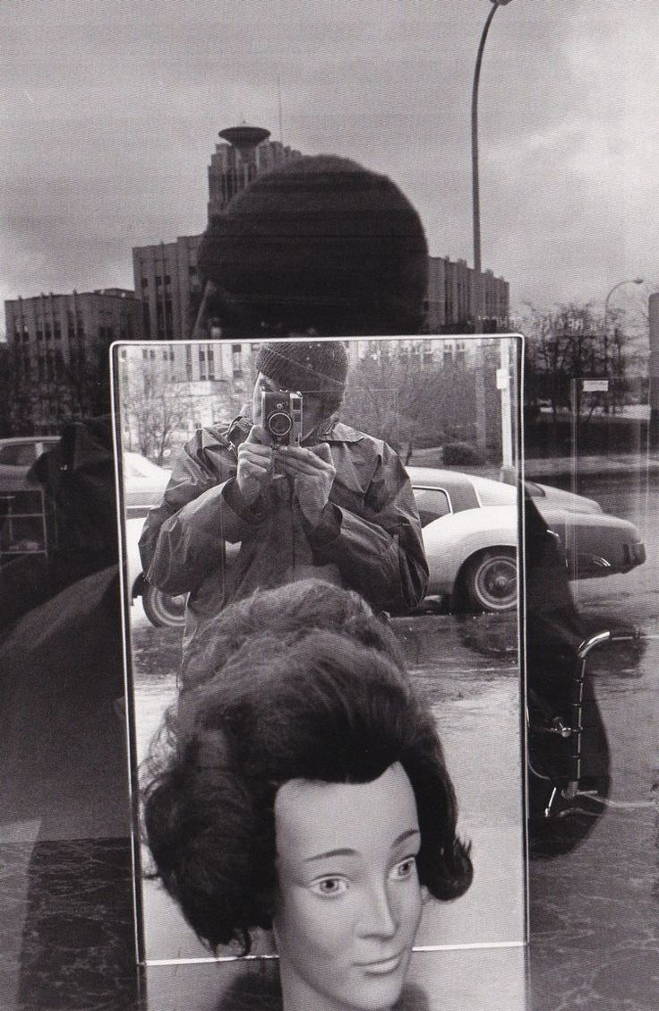 «Rochester, New York, 1971». Photo Lee Friedlander. Courtesy Fraenkel Gallery, San Francisco
