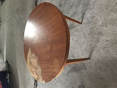 RETRO DINING TABLE AND 6 PIECE CHAIRS
