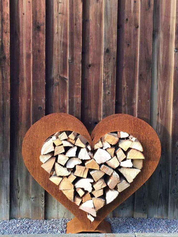Holzregal Herz rostige Deko  Holzlege in herzform  Edelrost