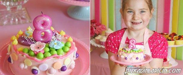 Kız Çocuk Pastaları Örnekleri - http://www.bizkadinlaricin.com/kiz-cocuk-pastalari-ornekleri.html  Kızınız için unutulmaz, mükemmel bir doğum günü partisi mi yapmayı düşünüyorsunuz? kız çocukları için çocuk pastaları örnekleri resim galerimizde çocuğuna doğum günü düzenleyecek olan pastatasarımı arayan kişilere fikir verebilecek en güzel çocuk pastaları çeşitlerine yer verdik. Doğum gününün güzel geçmesi çocuğunuzu çok mutlu