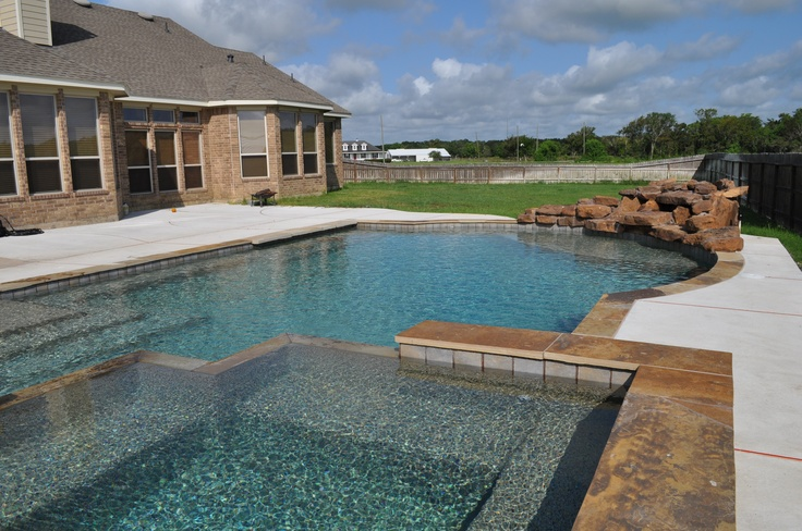 This Mixed Geometric And Freeform Style Pool And Spa
