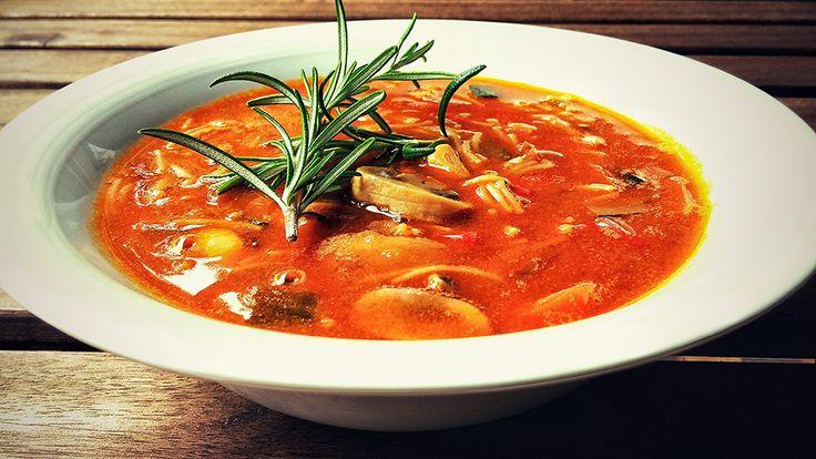 Sopa de verduras con fideos integrales, por Patxi Gimeno, cocinero deportivo