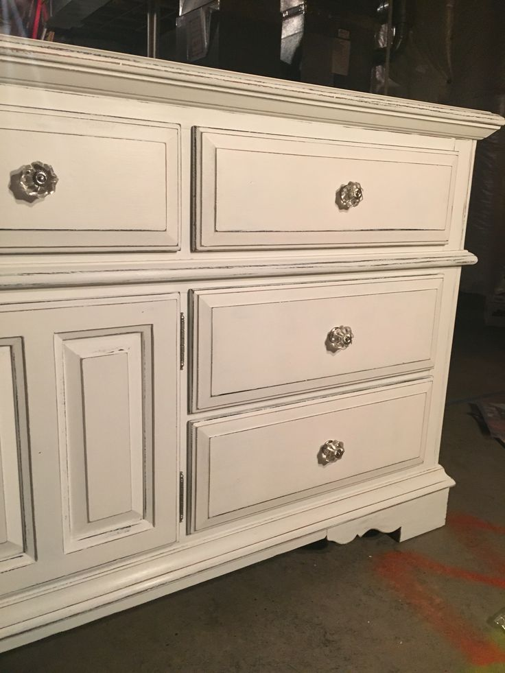 20 Year Old Broyhill Oak Dresser Painted With Black Chalk Paint Then White Chalk Paint