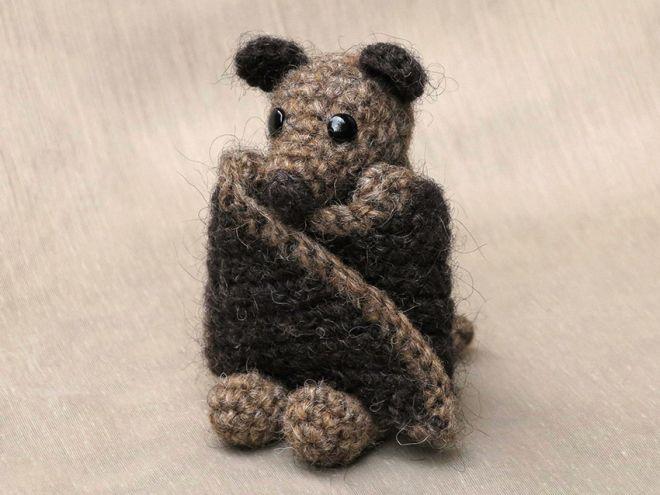 crochet bat pattern by Sonja van der Wijk