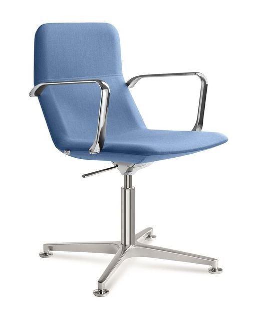 Jetzt bei Desigano.com Drehstuhl Flexi mit Design-Fußkreuz Konferenzstühle von Desigano ab Euro 461,04 € https://www.desigano.com/konferenzstuehle/1039-drehstuhl-flexi-mit-design-fusskreuz-desigano.html Die in der Rückenlehne eingebaute Technik sorgt für einen flexiblen oberen Bereich der Rückenlehne bei den Konferenz- und Besprechungstühlen Flexi. Dieses innovative Konzept verleiht dem Nutzer einen einzigartigen Sitzkomfort. In der Modellreihe Flexi finden Sie eine Vielzahl an…