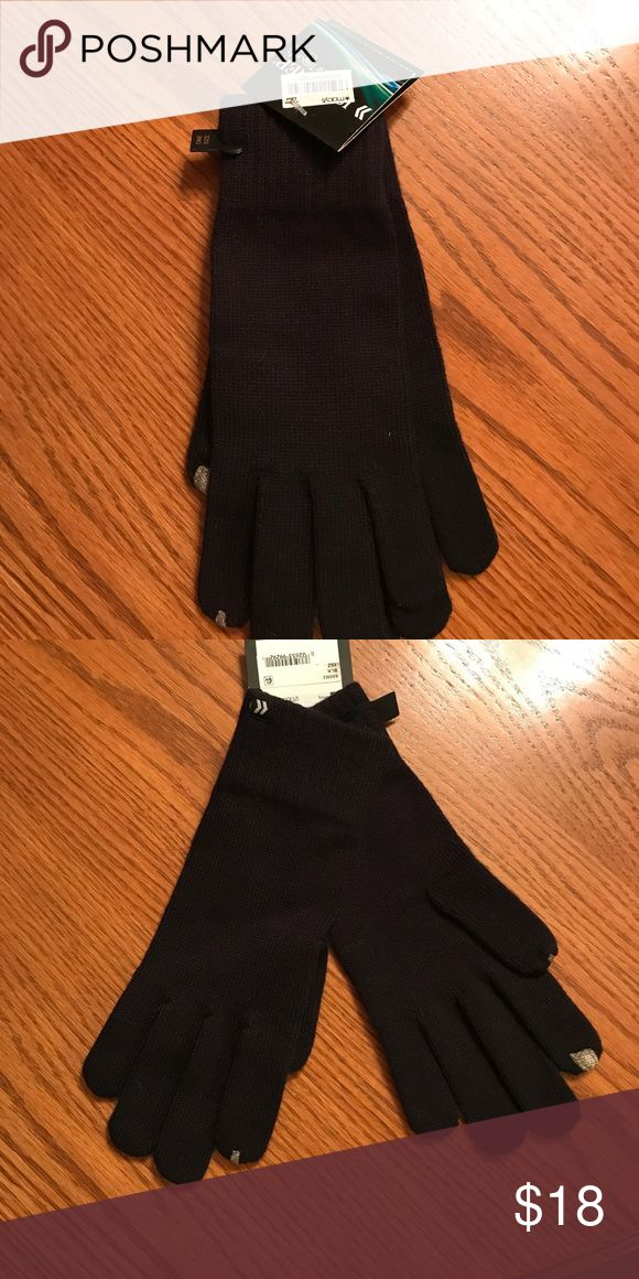 Women's ❄️ knitted gloves Women's knitted Isotoner touchscreen compatible gloves! NWT Isotoner Accessories Gloves & Mittens