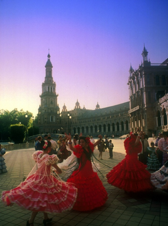 Learn to dance sevillana, a traditional dance in Andalucia and dance at one of the many ferias. You can also follow Flamenco & Salsa clases during your stay with us in La Herradura. http://spanishschoolherradura.blogspot.com.es