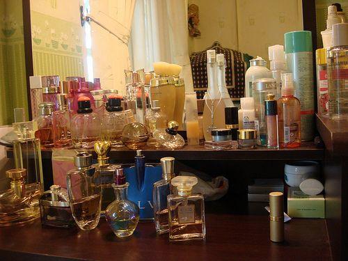 hehehe ini se hari2 aku pakai, kebanyak wangi cowok, krn aku ga suka parfum cewek hehehehe..   Foto Koleksi Tas Cantik - From http://pasutri.us/ladyfem.html
