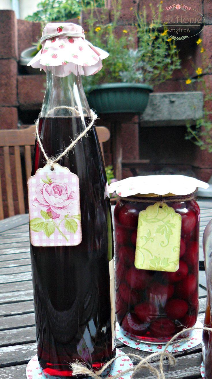 Przetwory jesienne, soki, dżemy, słoiki, etykiety na butelki