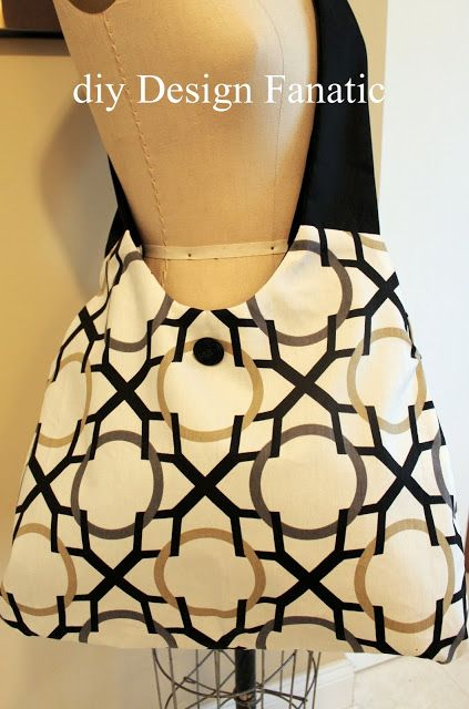 Cross-Body Hobo Bag - Free Tutorial by d i y Design Fanatic + How Create Inverted Box Pleats with Contracting Fabrics #sewing