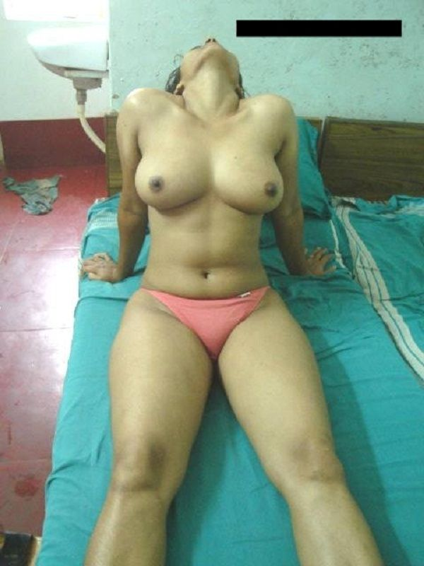 Indoor Indian village housewife nude picture