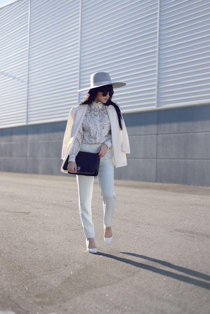Pale Division: Womens Sunglasses Designer Inspired Round Frames 8907