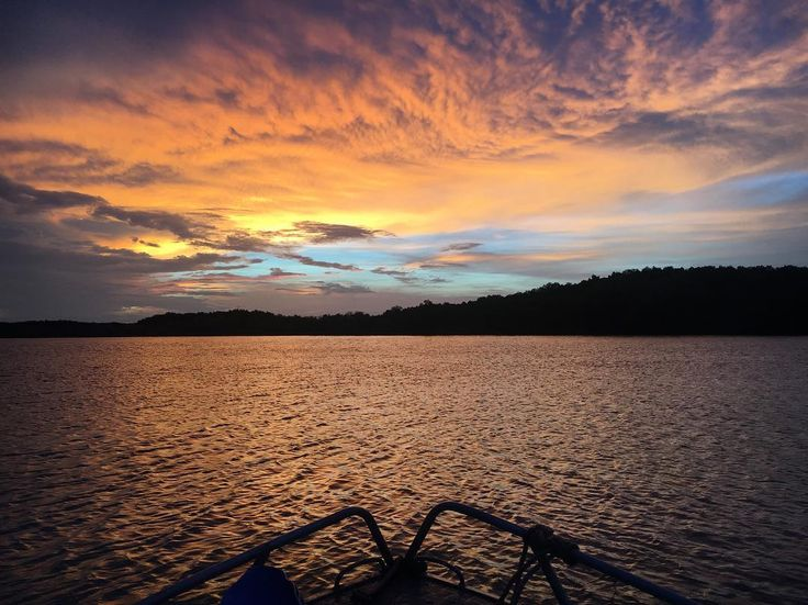 Perks of camping on the boat!      #camping #boating #campingontheboat #darwin #nt #northerterritory #thetopend #CUintheNT #northaustralia #ocean #river #shoalbay #thenthestormcame #sunsets #boat #fishing #caughtnothing #crabbing #thegreatoutdoors #beauty #travel