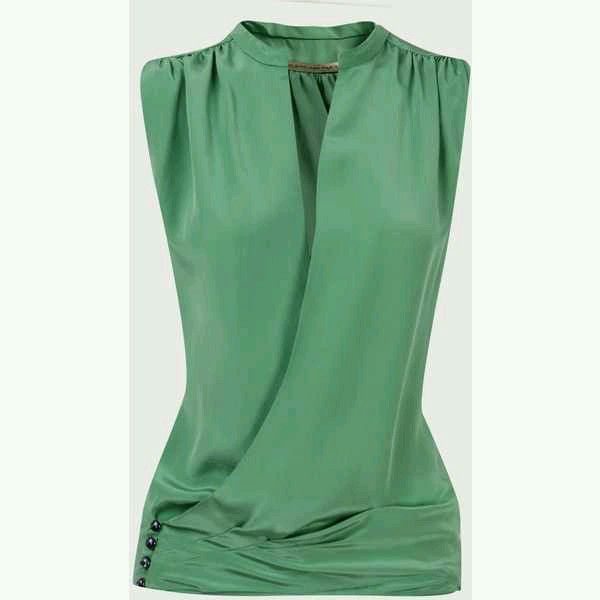 Crepe blouse, sleeveless